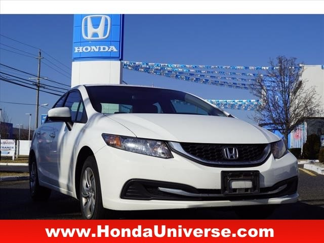 Pre-Owned 2015 Honda Civic 4dr CVT LX